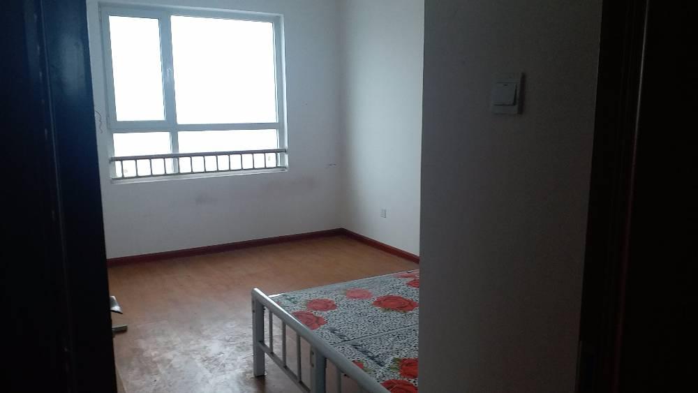 紫竹源小区四室两厅一卫169平米住房出租