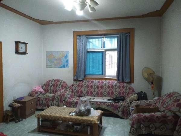 新市西街泰森小区三室两厅 南北通透 低价出售