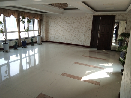 黄华街瑞信小区精装修大产权 三室两厅 只售90万