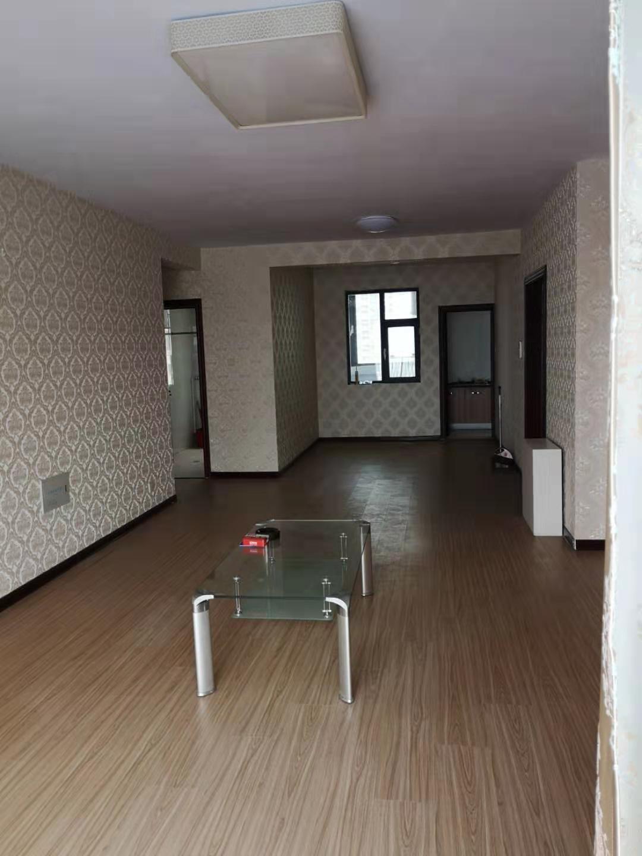 開發區銀座花園小區四室兩廳兩衛153平米商住房出租