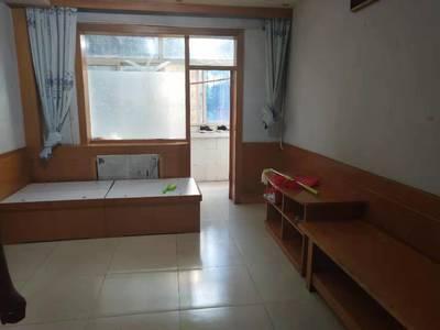学区房低价出租 家具齐全 低楼层 两室一厅