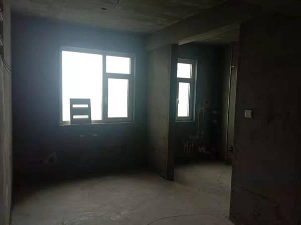 潞泽苑 低层毛坯 两室两厅 户型方正 采光合理