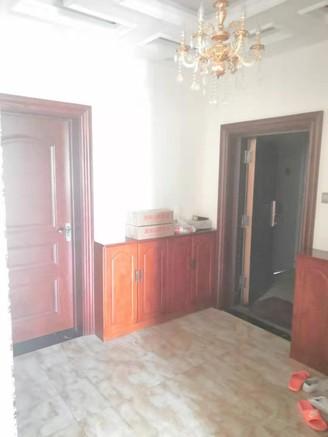 泰富新居5室2厅2卫202平米房屋出售
