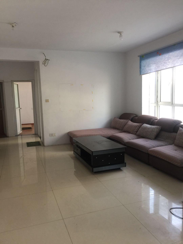 桂名園小區3室2廳2衛150平米住宅出租