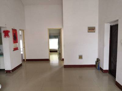 四季花城3室2廳1衛120平米住宅出租