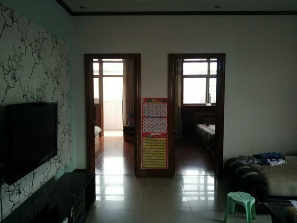 華西小區三室兩廳一衛122.65平米住宅出售