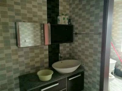 绿欣小区三室一厅一卫140平米住宅出租