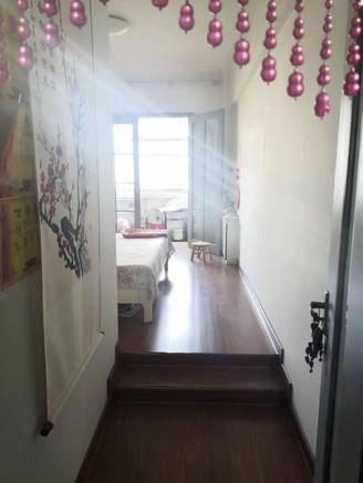 滨湖花园三室两厅一卫136平米住宅出售
