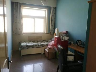 迎賓街建行家屬樓130平米3室住房出租,家具家電齊全