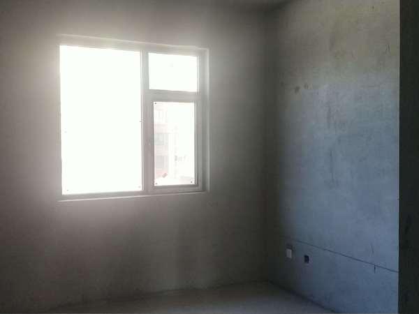 龙度华府三室两厅两卫130平米住宅出售