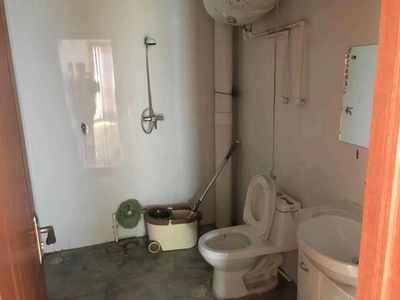 金厦西苑8楼两室两厅房屋出租