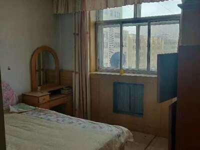黄华街小区3室 110平 76万老证可贷款