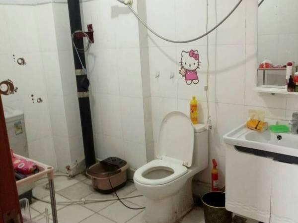 出租桂圆小区3室2厅2卫135平米650元/月住宅