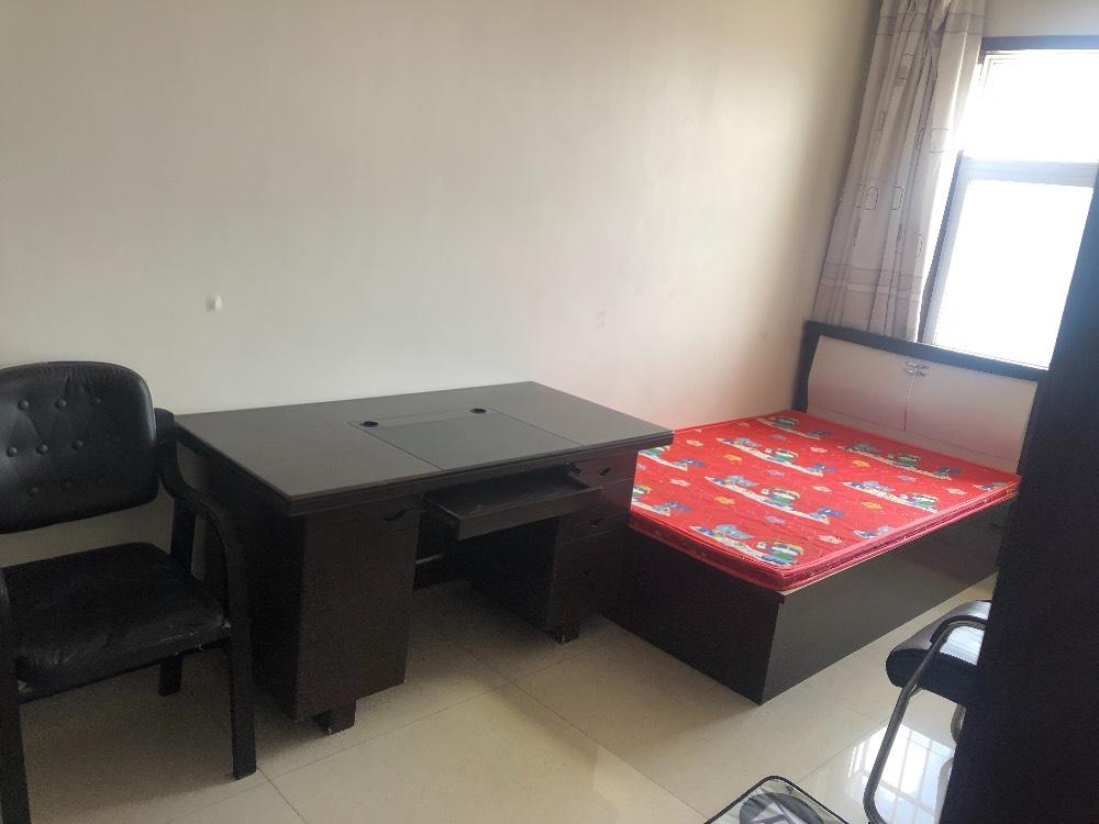 白云社区4室1厅1卫140平米住宅出租