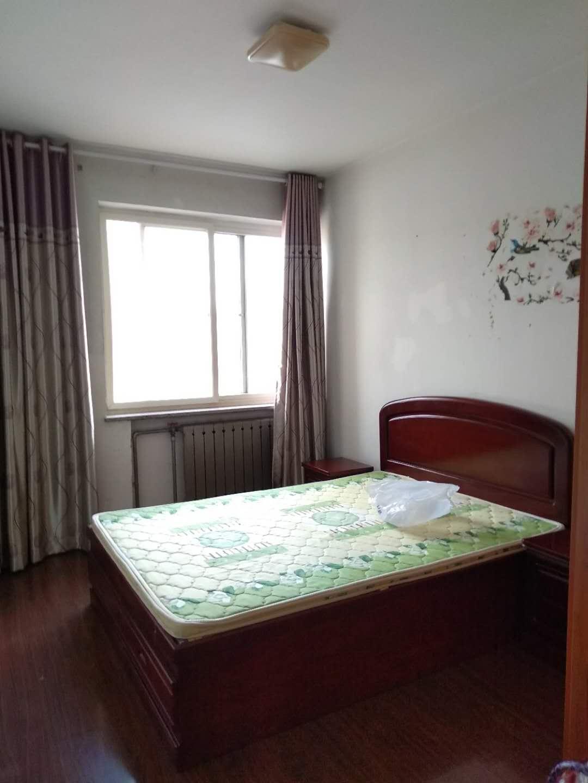 出租华西小区1室1厅1卫45平米1000元/月住宅