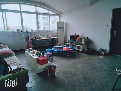 星河学区房 送小院 可贷款 大红本 实用面积115平米