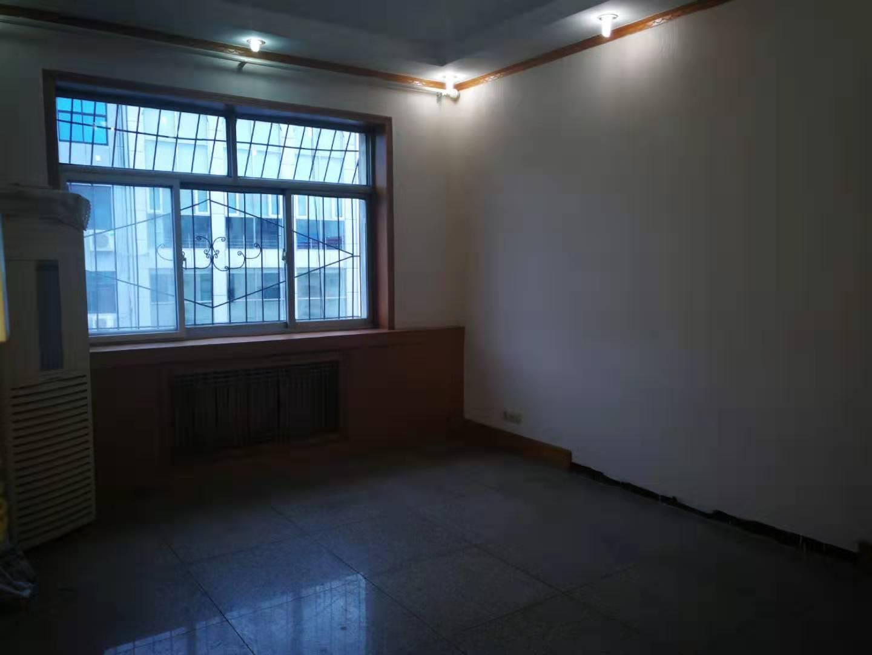 凤庆小区学区房3室2厅1卫94平米住房出租