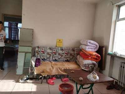 华西小区1室1厅1卫83平米住宅出售