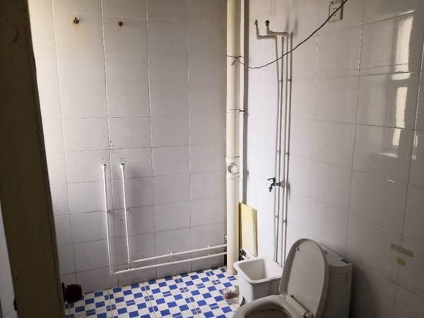 四季花城3室2厅1卫120平米住宅出租