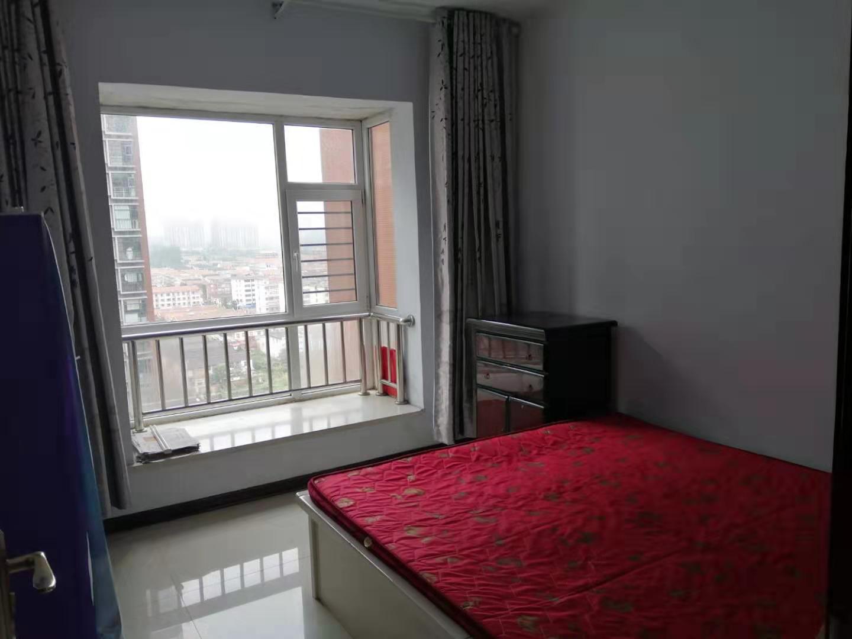 晋城一中附近旺角花园三室一厅一卫110平米住房出租