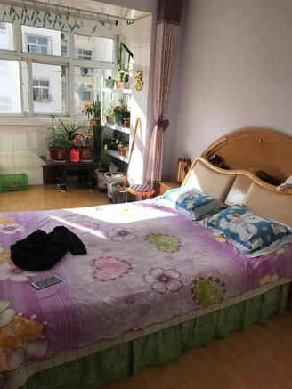 腾发小区两室两厅一卫90平米住宅出售