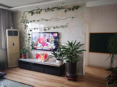 開發區 玉龍灣公館 123平米 大紅本 精裝三居室 南北通透 120萬